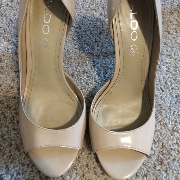 Aldo Shoes - Nude pump
